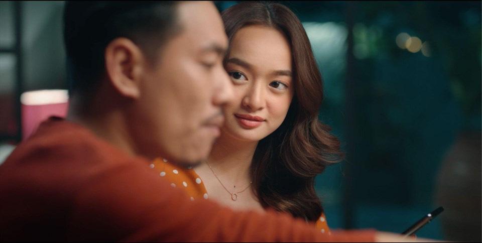 Thu Trang, Kaity Nguyễn và Đức Thịnh được khen ngợi về diễn xuất trong Tiệc trăng máu - Ảnh 4.