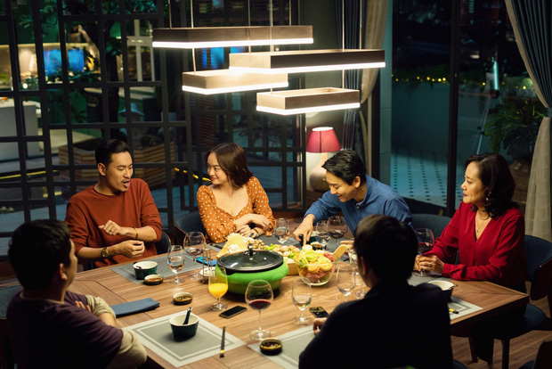 Thu Trang, Kaity Nguyễn và Đức Thịnh được khen ngợi về diễn xuất trong Tiệc trăng máu - Ảnh 3.