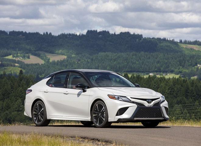 """Tin xe (21/10): Toyota Camry """"xả hàng"""", chỉ còn 200 xe VinFast Lux ưu đãi - Ảnh 1."""