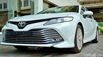 """VinFast LUX A2.0 thời thượng châu Âu """"đọ sức"""" Toyota Camry, ai hơn ai? - Ảnh 5."""