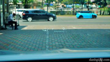 """VinFast LUX A2.0 thời thượng châu Âu """"đọ sức"""" Toyota Camry, ai hơn ai? - Ảnh 29."""