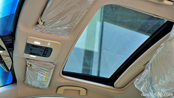 """VinFast LUX A2.0 thời thượng châu Âu """"đọ sức"""" Toyota Camry, ai hơn ai? - Ảnh 26."""