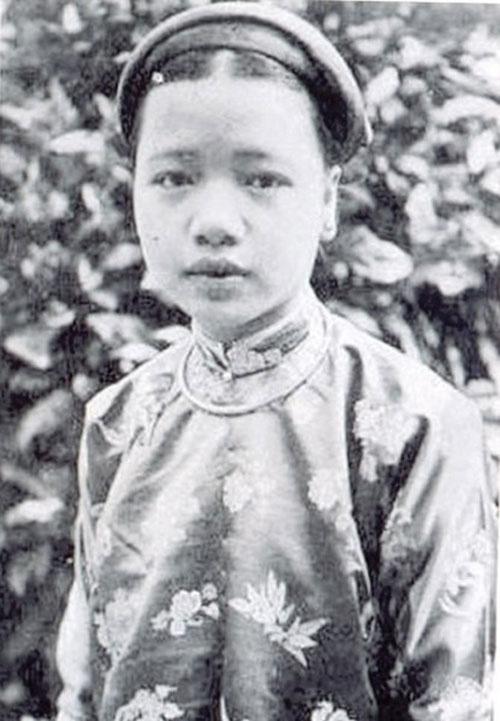 Chuyện tình ngang trái của Hồ Thị Chỉ với 2 vị vua nhà Nguyễn - Ảnh 1.