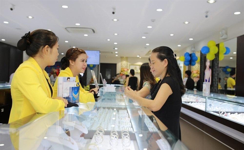 PNJ báo lãi 200 tỷ đồng quý III/2020 nhờ tiết giảm chi phí - Ảnh 1.
