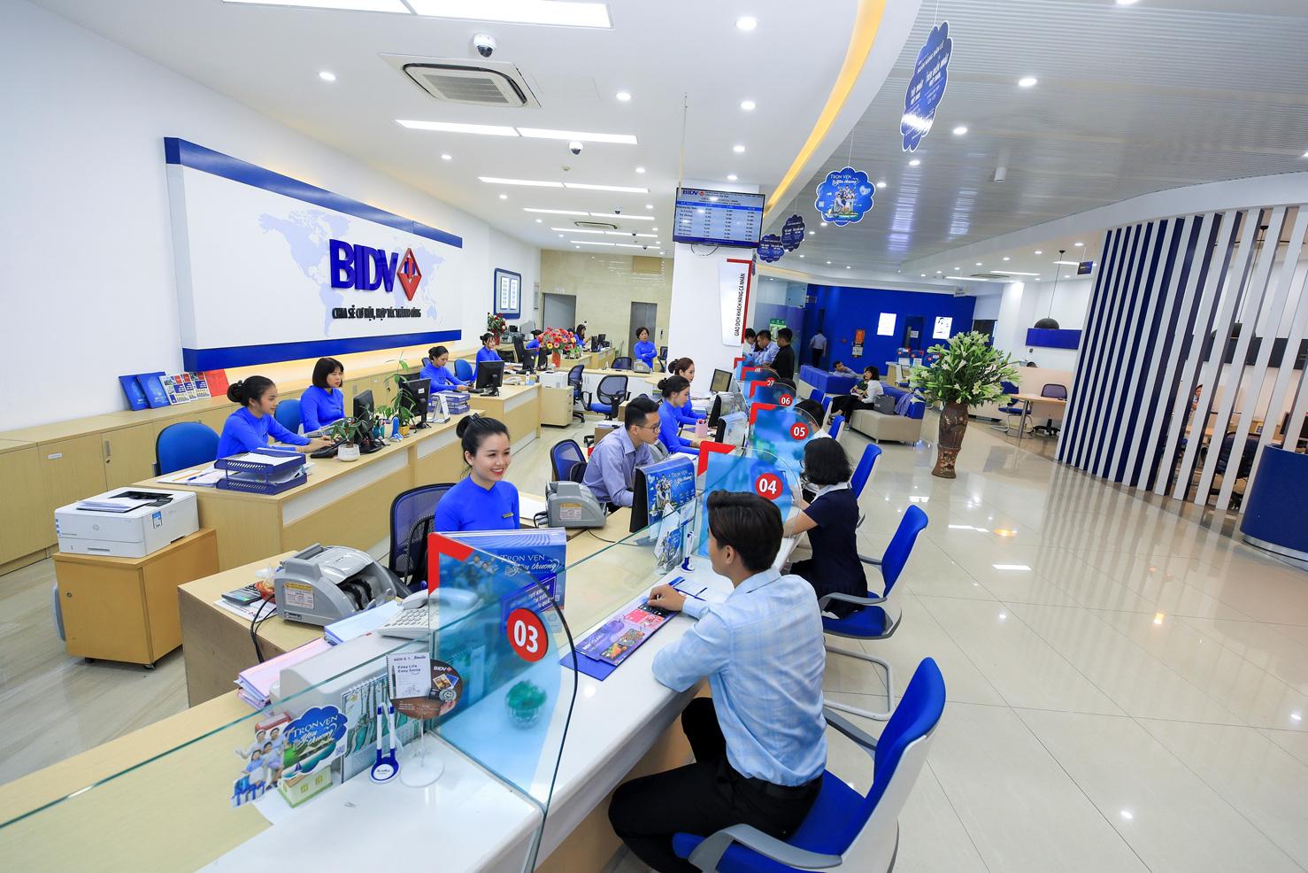 """BIDV được vinh danh""""Ngân hàng giao dịch tốt nhất Việt Nam"""" và """"Ngân hàng Quản lý tiền tệ tốt nhất Việt Nam"""" - Ảnh 1."""