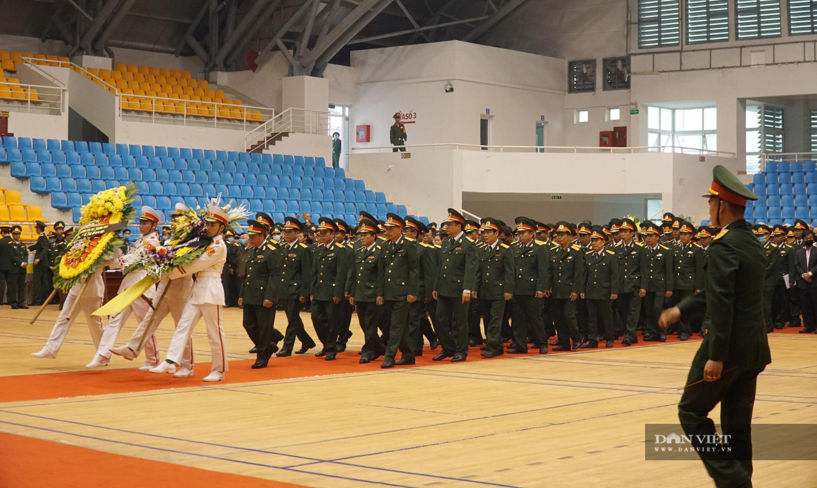 Những hình ảnh xúc động tại lễ tang 22 chiến sĩ đoàn 337 hy sinh - Ảnh 4.