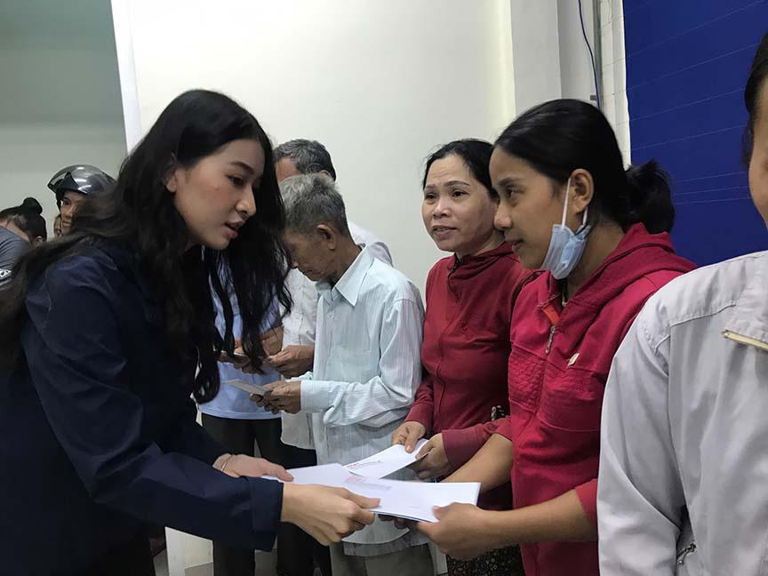 Đỗ Mỹ Linh, Tiểu Vy, trao hơn 200 triệu cho đồng bào miền Trung  - Ảnh 5.
