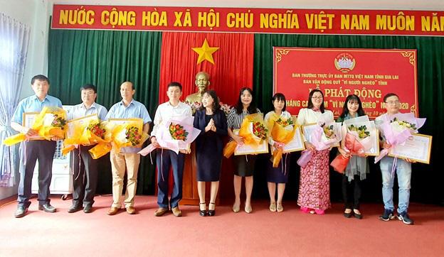 """PC Gia Lai tham gia ủng hộ Tháng cao điểm """"Vì người nghèo"""" - Ảnh 2."""