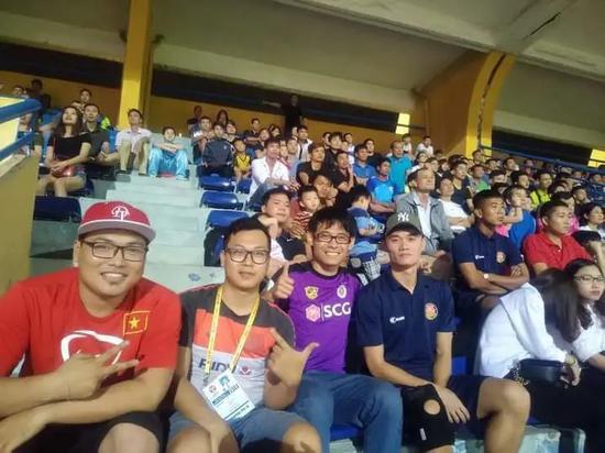 """Báo Trung Quốc nói về """"điều gây ngạc nhiên lớn"""" của bóng đá Việt Nam - Ảnh 1."""