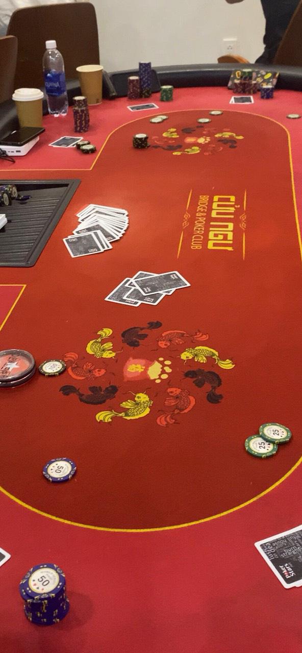 TPHCM: Phá sòng Poker có người ngoại quốc tham gia ở khu dân cư Palm Residence - Ảnh 1.