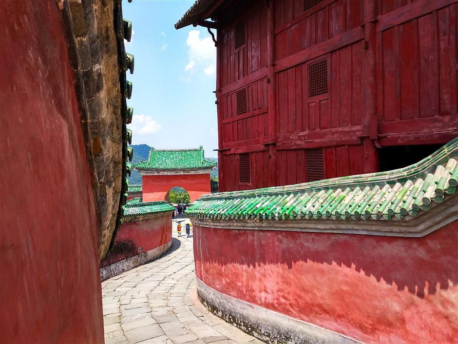 Mùa thu đẹp ở các địa danh trong truyện Kim Dung - Ảnh 10.