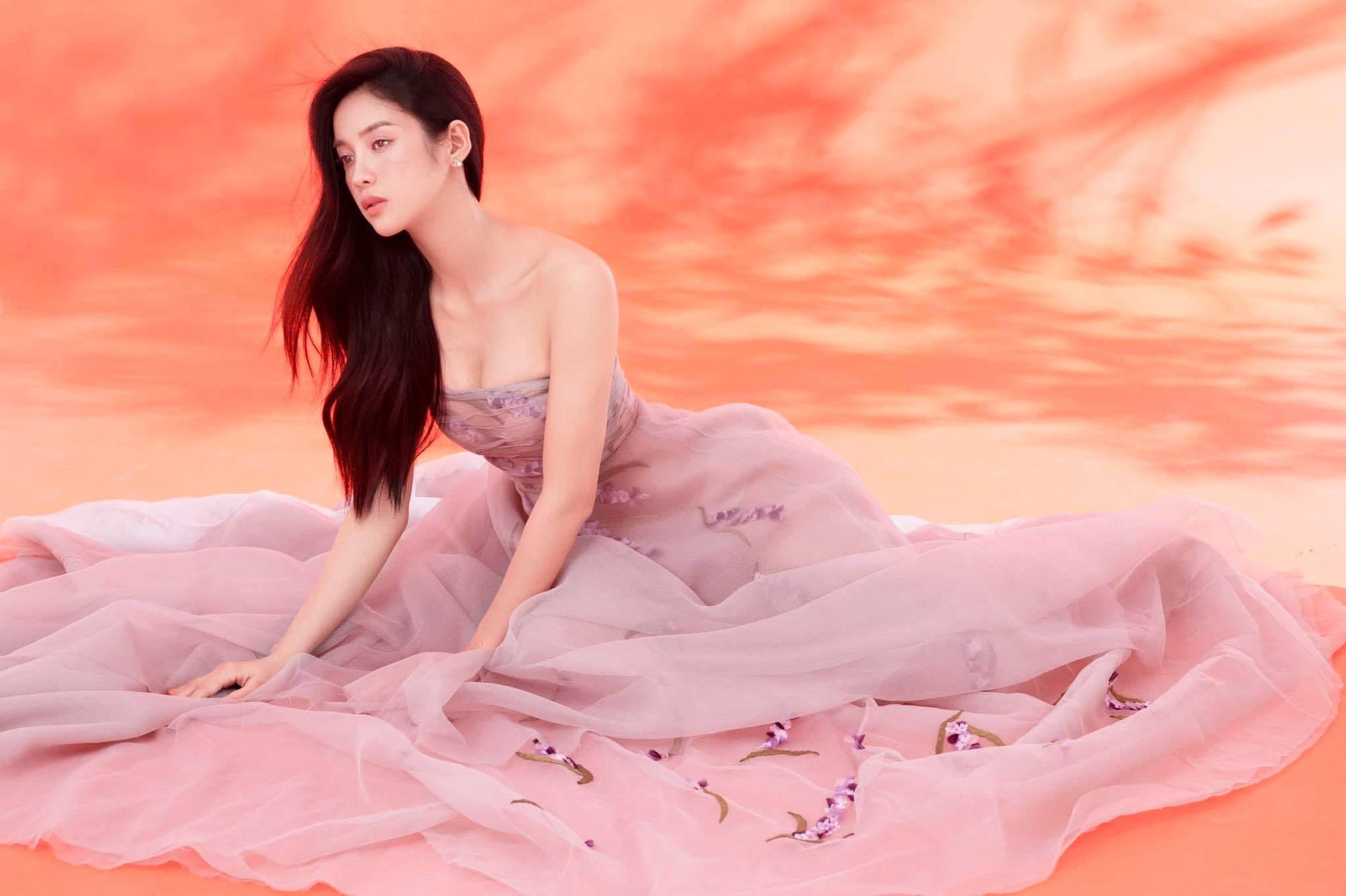 """HOT showbiz: Bất ngờ mỹ nhân đóng vai Thúy Kiều bị """"đào lại"""" quá khứ là """"đối thủ"""" với Hoa hậu H'Hen Niê? - Ảnh 4."""