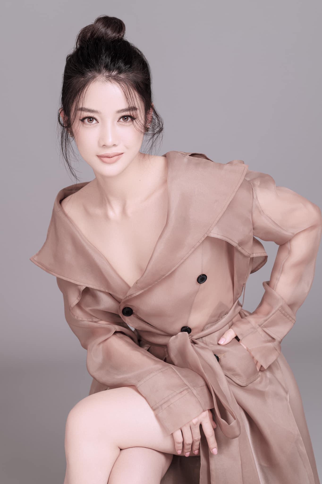 """HOT showbiz: Bất ngờ mỹ nhân đóng vai Thúy Kiều bị """"đào lại"""" quá khứ là """"đối thủ"""" với Hoa hậu H'Hen Niê? - Ảnh 13."""