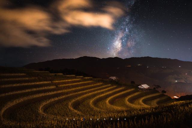 Chiêm ngưỡng dải ngân hà đẹp như phim ở Mù Cang Chải - Ảnh 4.