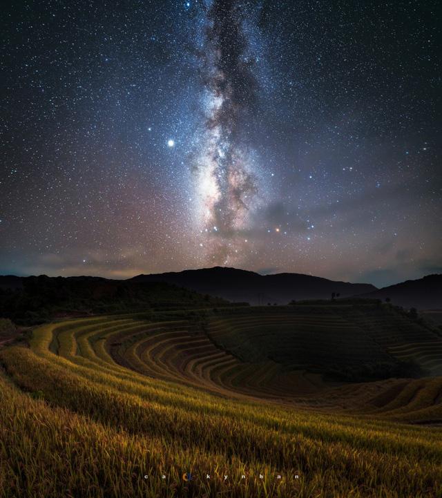 Chiêm ngưỡng dải ngân hà đẹp như phim ở Mù Cang Chải - Ảnh 6.