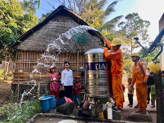 Điện lực Kbang (PC Gia Lai) nỗ lực cùng địa phương hoàn thành tiêu chí số 4 trong xây dựng nông thôn mới - Ảnh 3.