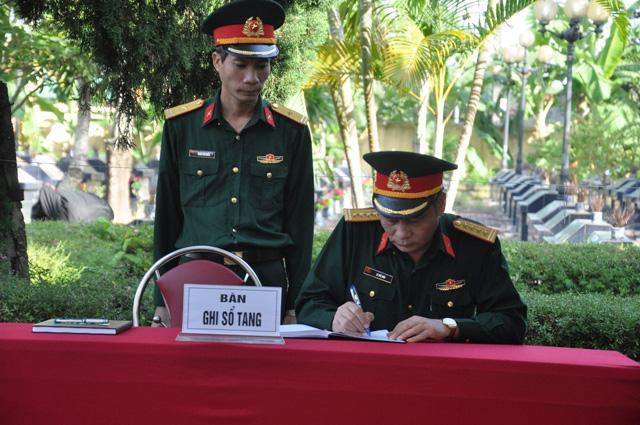Lễ viếng, truy điệu ở quê nhà đại tá Lê Văn Quế, 1 trong 22 liệt sĩ đoàn 337  - Ảnh 11.