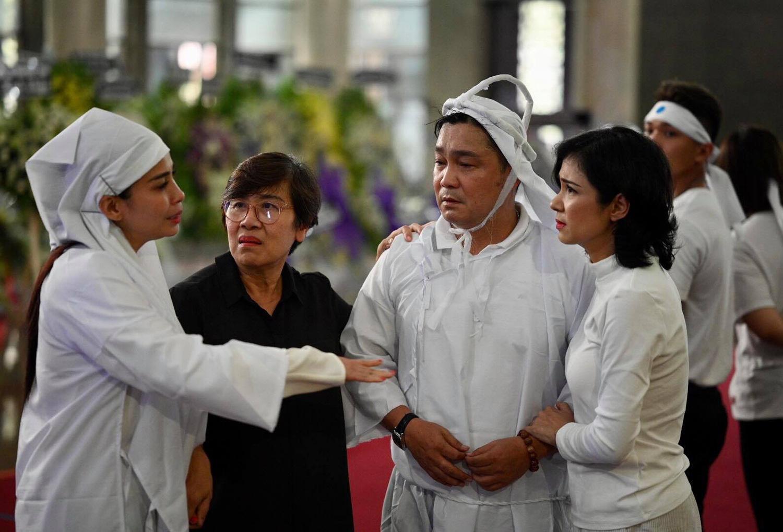 Phút cuối tiễn biệt NSND Lý Huỳnh khiến đồng nghiệp xót xa, 2 tâm nguyện chưa hoàn thành - Ảnh 3.