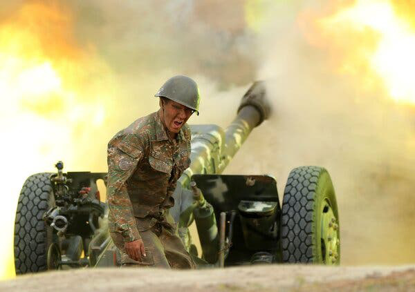 Chiến sự Armenia-Azerbaijan: 5.000 người thiệt mạng - Ảnh 1.