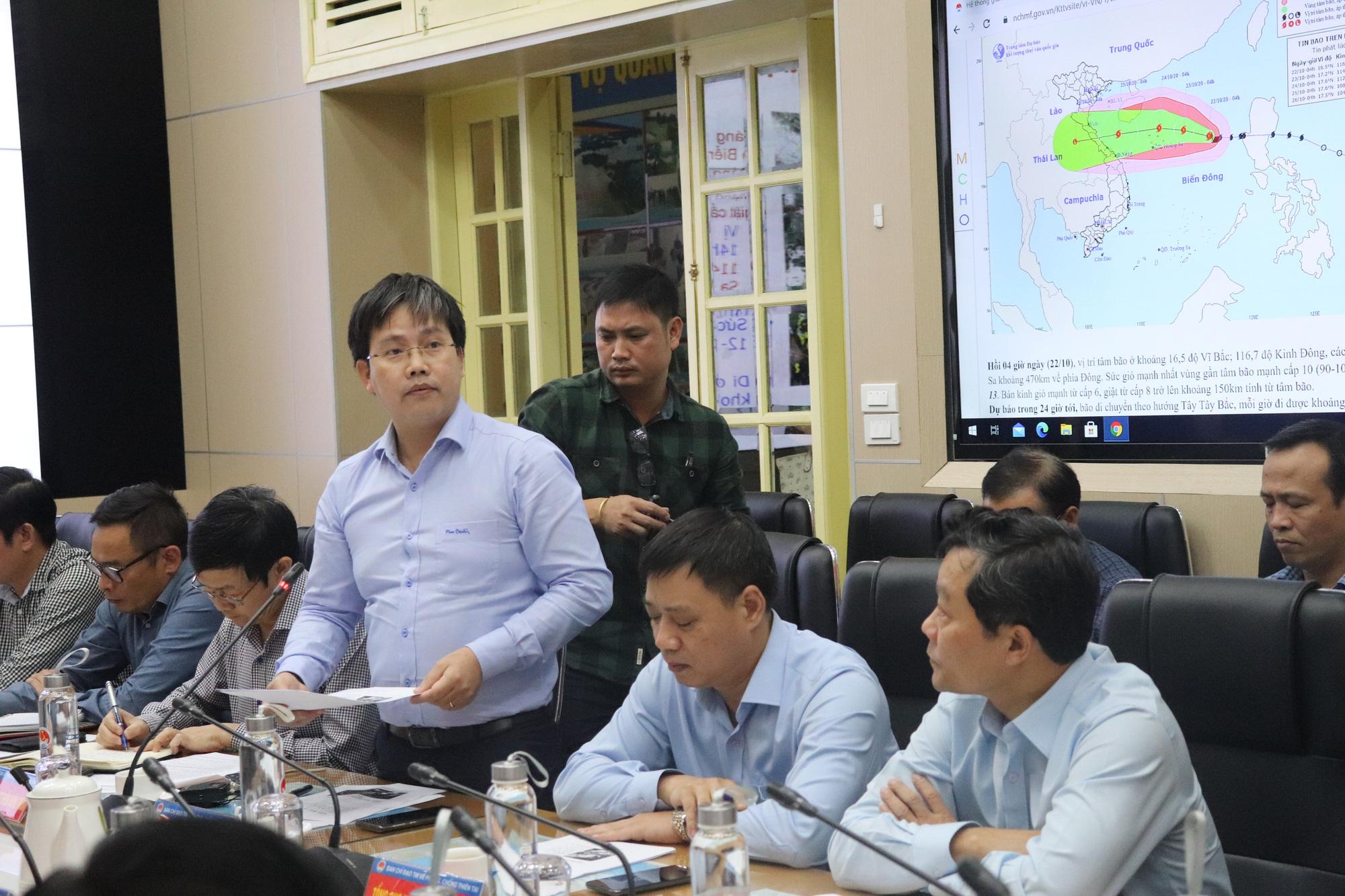 Chưa từng có: Một tháng đón 5 cơn bão, áp thấp, Hà Tĩnh, Thừa Thiên - Huế nguy cơ mưa lớn do bão số 8 - Ảnh 2.