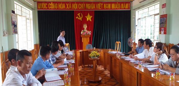 Điện lực Kbang (PC Gia Lai) nỗ lực cùng địa phương hoàn thành tiêu chí số 4 trong xây dựng nông thôn mới - Ảnh 1.