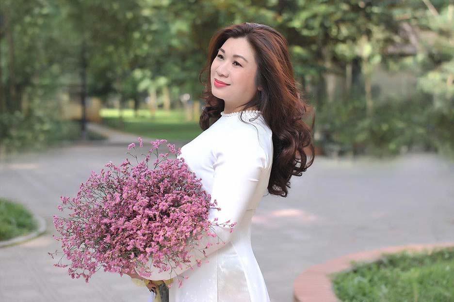 NSƯT Ngọc Ánh: Đêm thơ Xuân Quỳnh là bài toán khó khi kết hợp giữa lãng mạn và sự trẻ trung - Ảnh 3.