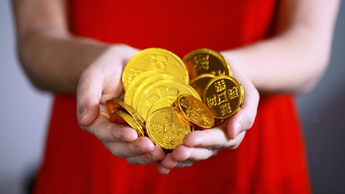 Giá vàng hôm nay 30/10: Tiếp tục bị bán tháo, đà giảm giá - Ảnh 1.