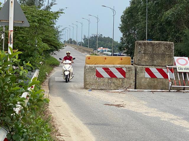 """Quảng Ngãi: Ai dựng tường chắn bê tông """"nuốt"""" người ở cầu Trà Bồng?  - Ảnh 3."""