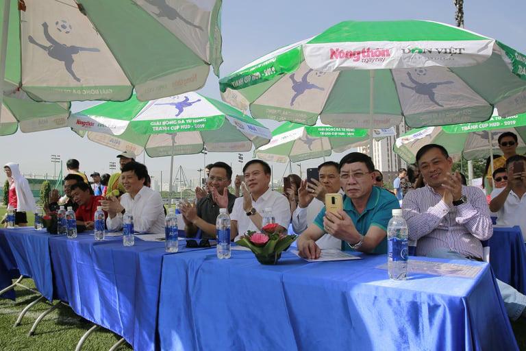 Khai mạc Giải bóng đá NTNN/Dân Việt 2020: Nối vòng tay lớn hướng về miền Trung - Ảnh 2.