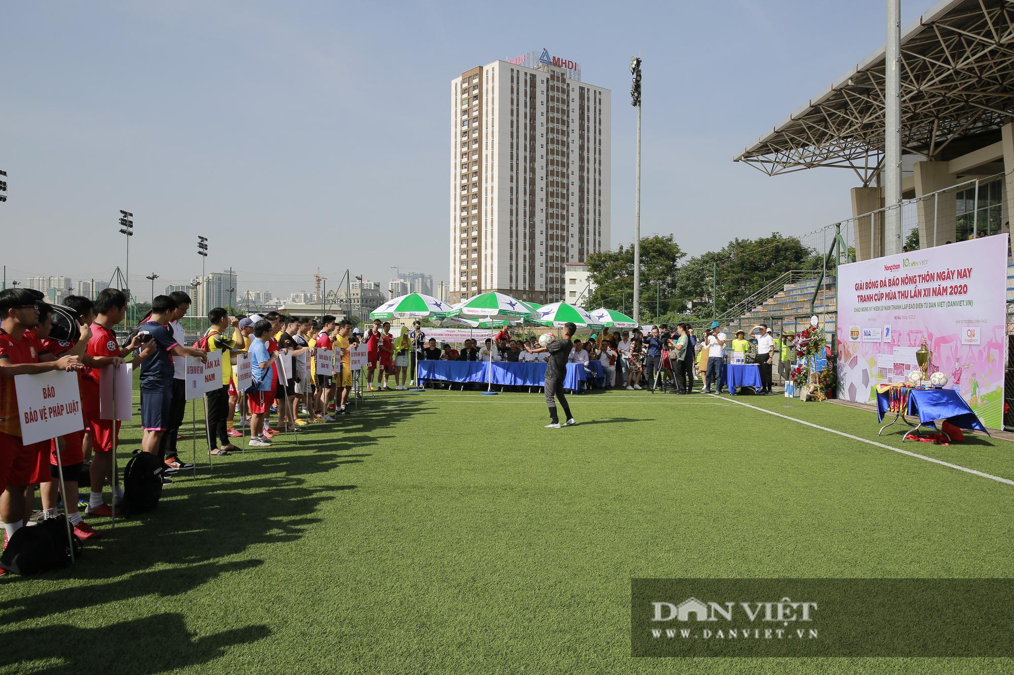 Giải bóng đá báo Nông thôn Ngày nay/Dân Việt lần thứ 12 chính thức khởi tranh - Ảnh 1.