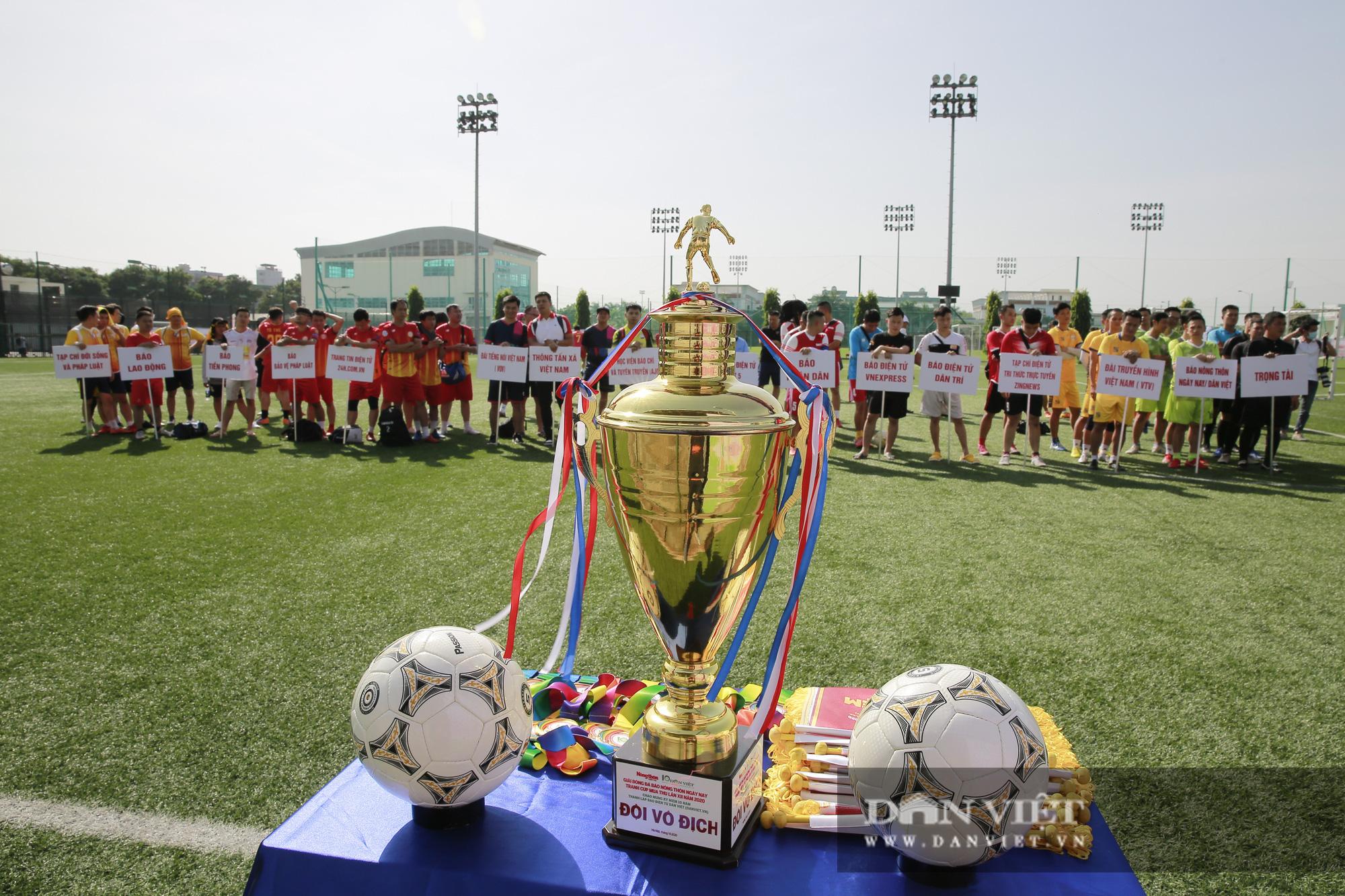 Giải bóng đá báo Nông thôn Ngày nay/Dân Việt lần thứ 12 chính thức khởi tranh - Ảnh 4.