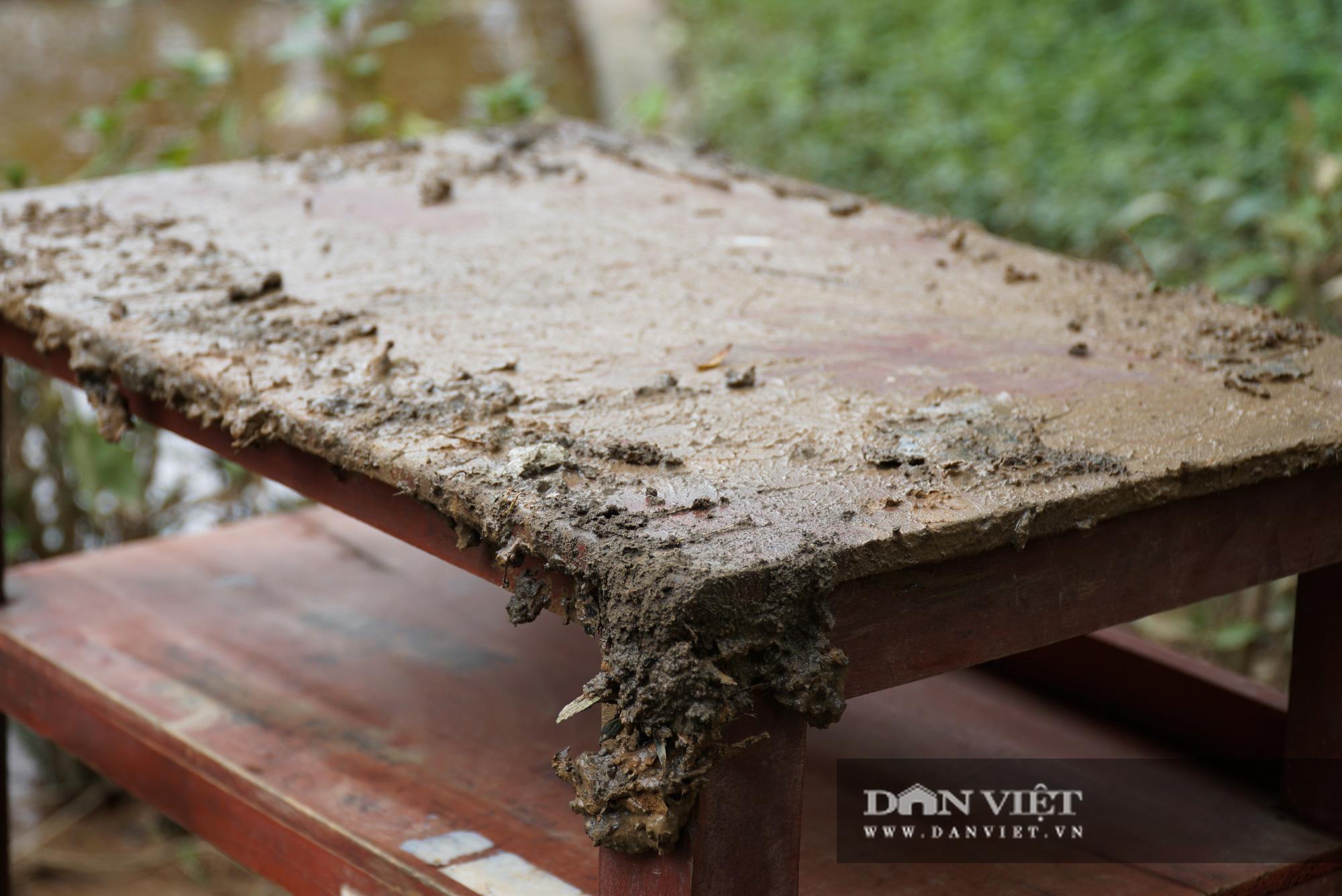 Quảng trị: Các trường học được hỗ trợ máy rửa bùn non sau bão lũ - Ảnh 7.