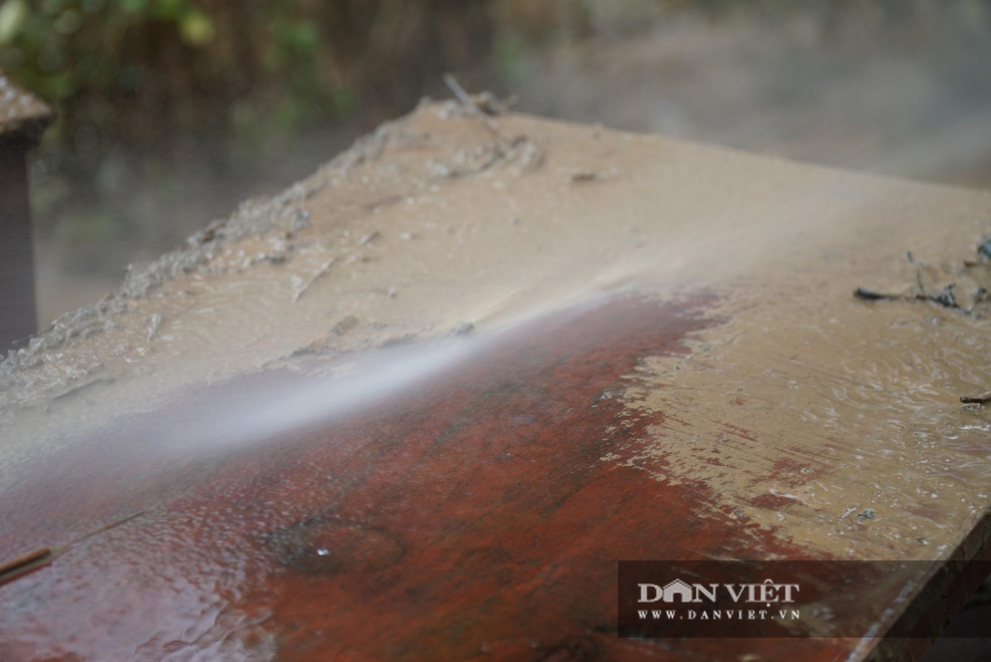 Quảng trị: Các trường học được hỗ trợ máy rửa bùn non sau bão lũ - Ảnh 11.