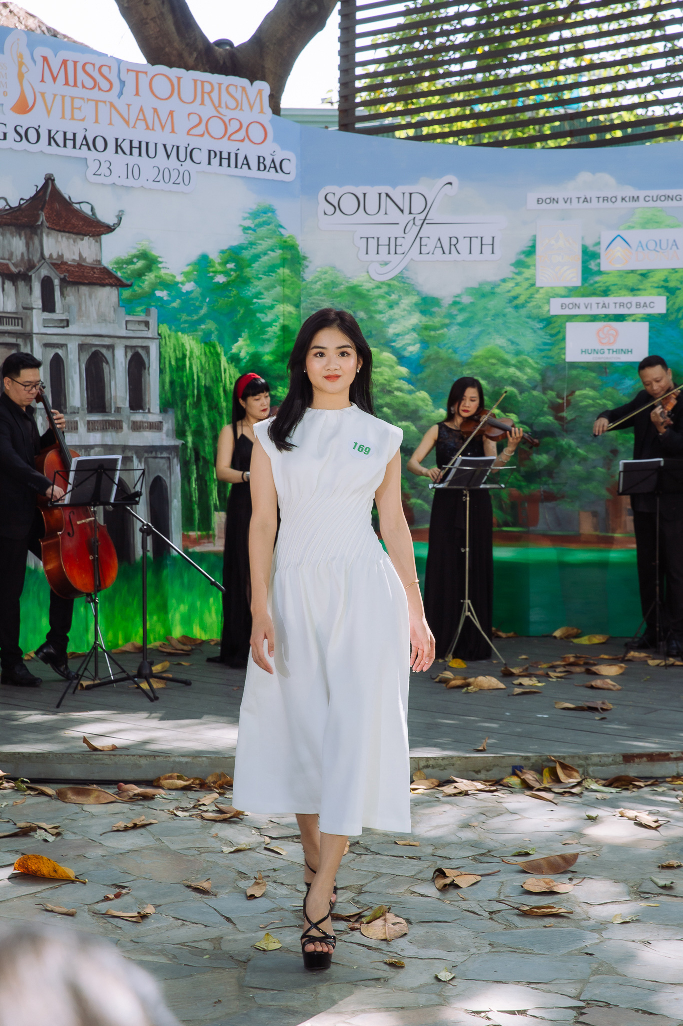 Hoa hậu Khánh Ngân và Ngọc Hân cùng làm ban giám khảo Miss Tourism Vietnam 2020 - Ảnh 6.