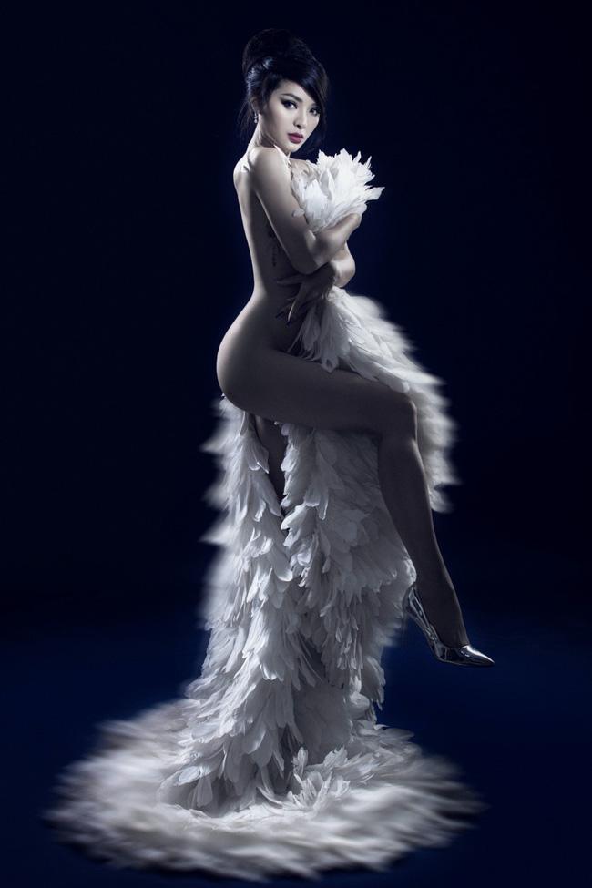 Phương Trinh Jolie khoe vóc dáng bốc lửa trong bộ ảnh bán nude táo bạo - Ảnh 5.