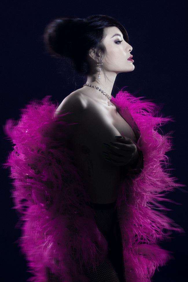 Phương Trinh Jolie khoe vóc dáng bốc lửa trong bộ ảnh bán nude táo bạo - Ảnh 6.