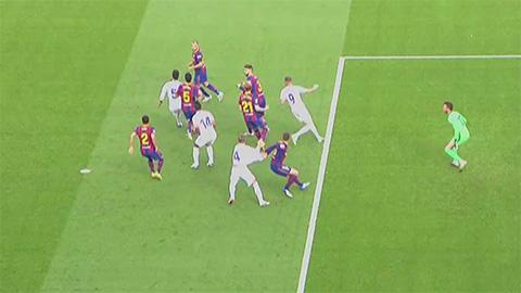 Barca bị oan trong tình huống Ramos kiếm về cho Real quả phạt đền? - Ảnh 1.