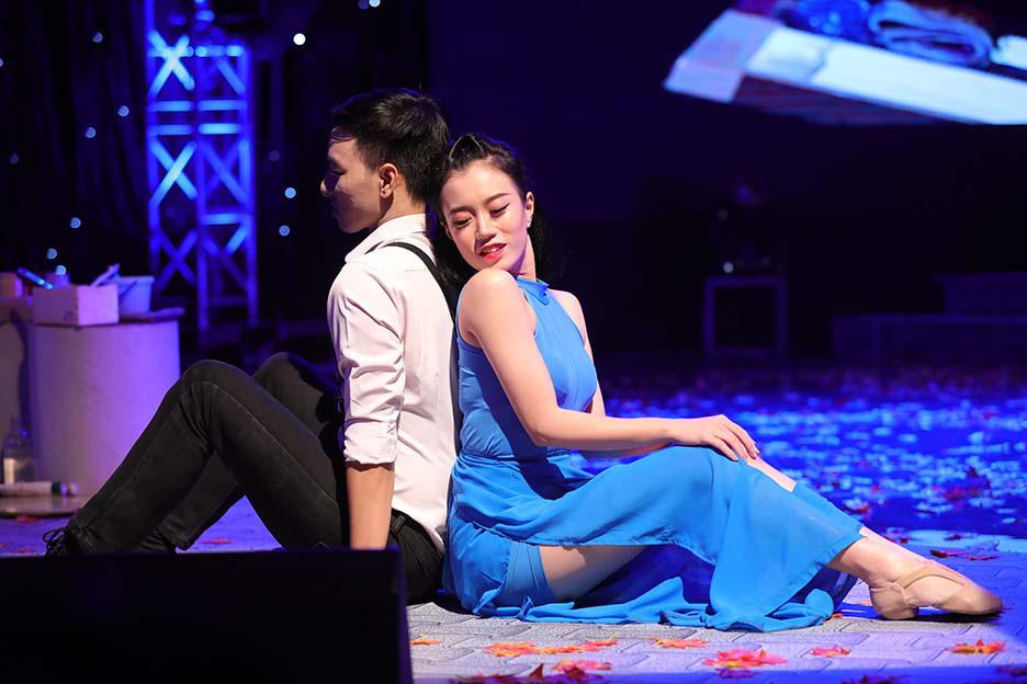 """Bất ngờ và ấn tượng với màn mix thơ của thi sĩ Xuân Quỳnh trong đêm """"Trời biếc thu sang""""  - Ảnh 1."""