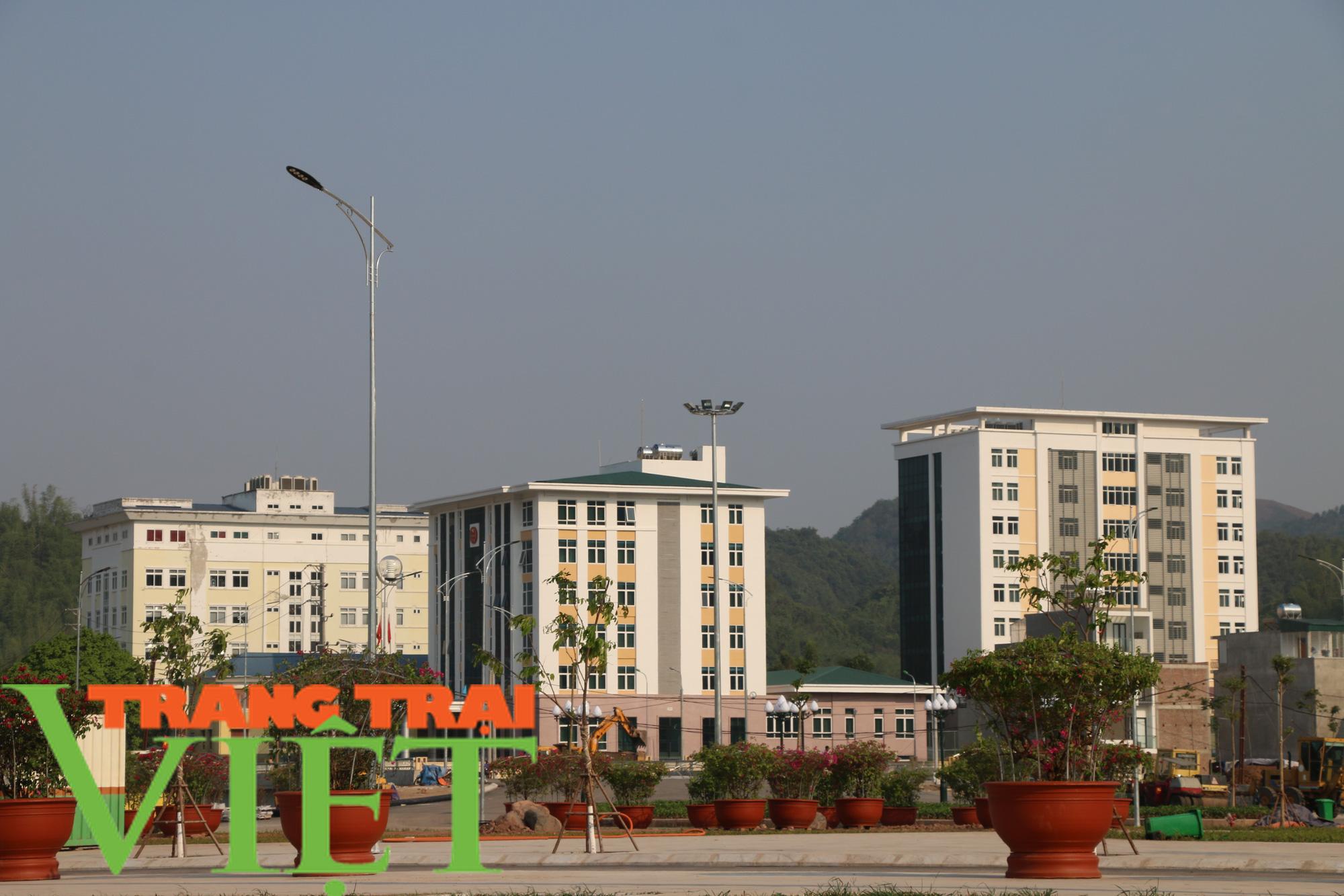 Thành phố Sơn La chuyển mình trong phát triển kinh tế - Ảnh 1.