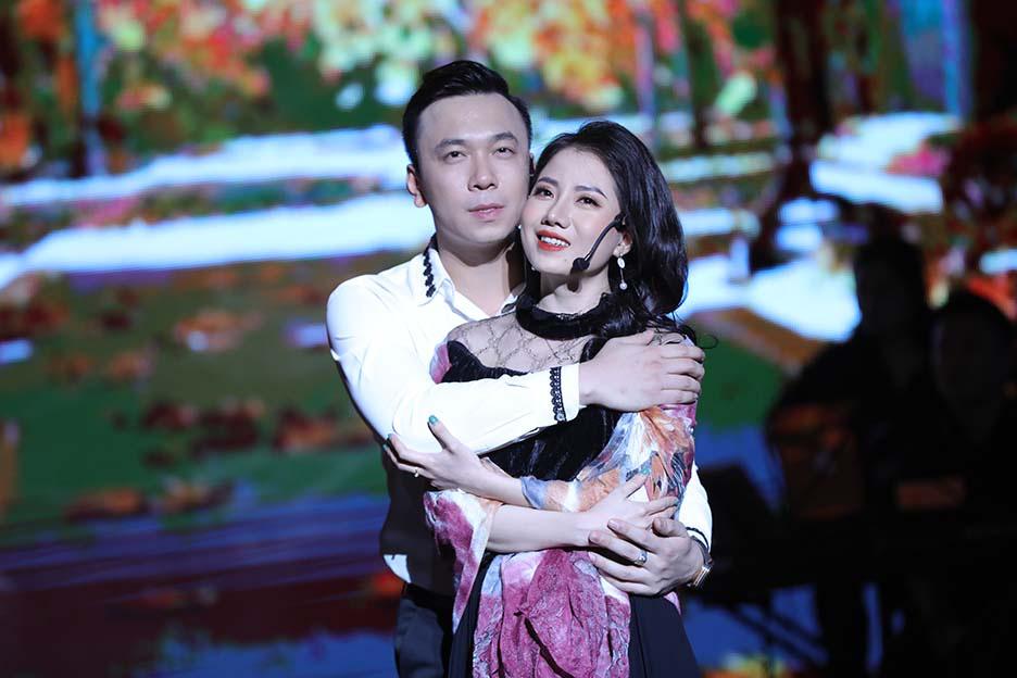 """Bất ngờ và ấn tượng với màn mix thơ của thi sĩ Xuân Quỳnh trong đêm """"Trời biếc thu sang""""  - Ảnh 5."""