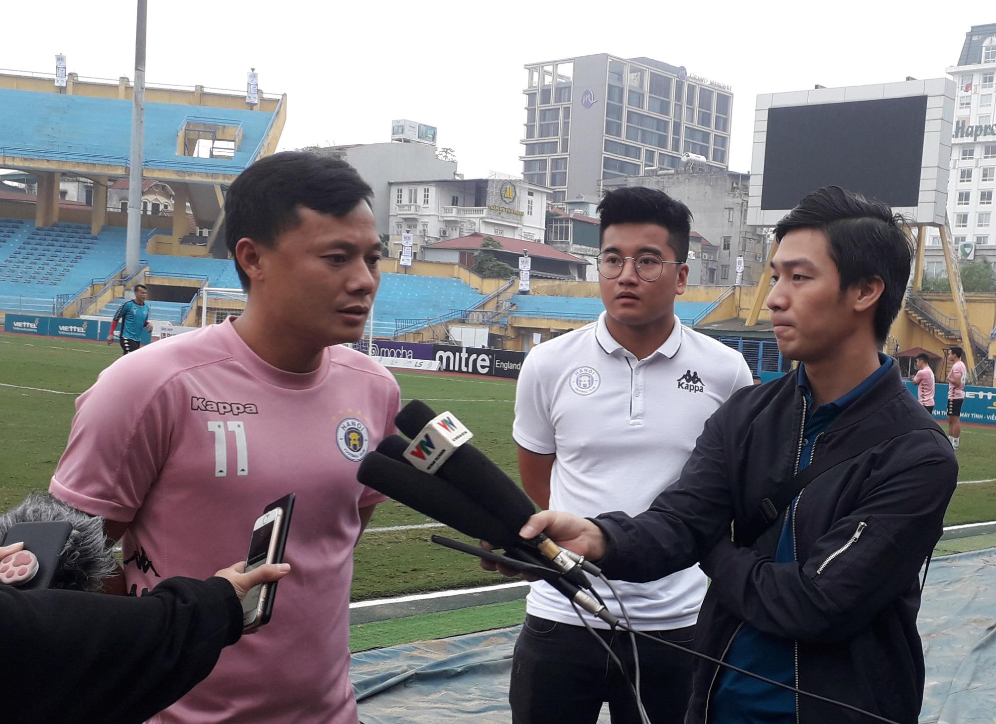 Tiền vệ Thành Lương cho rằng Hà Nôi FC đang có tâm lý thoải mái trước cuộc quyết đấu Viettel FC. Ảnh: Song Minh