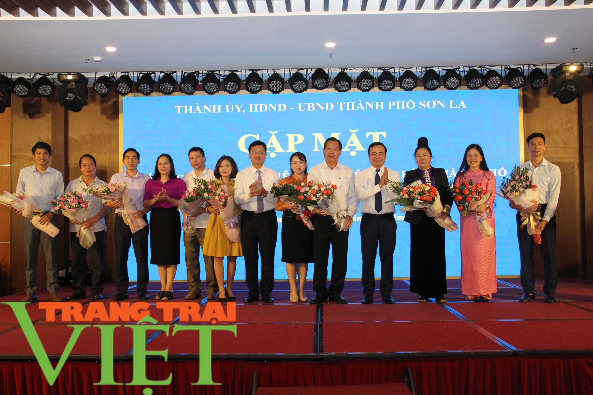 TP. Sơn La thực hiện thu ngân sách, xây dựng và phát triển đô thị - Ảnh 3.