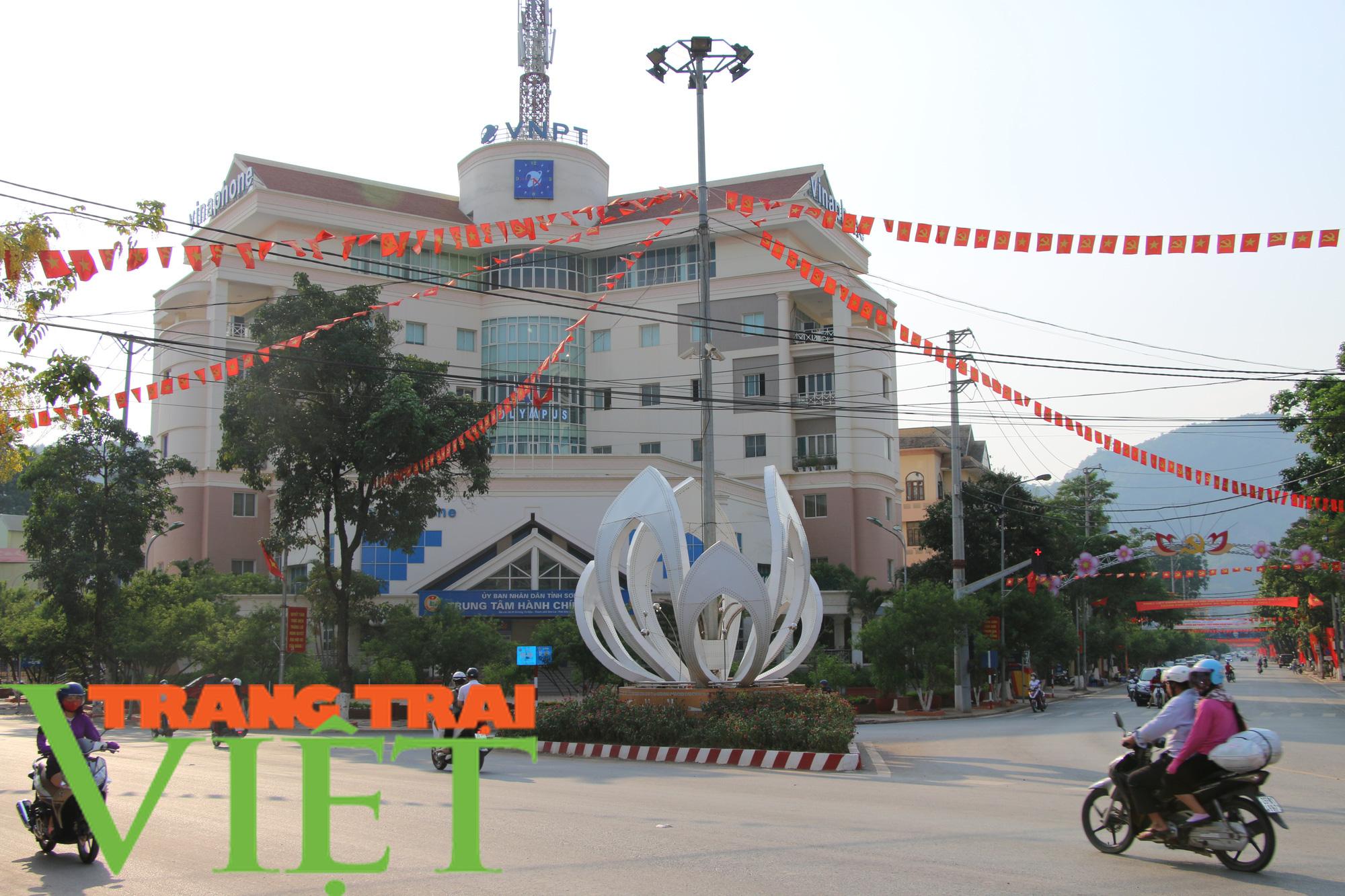 TP. Sơn La thực hiện thu ngân sách, xây dựng và phát triển đô thị - Ảnh 2.