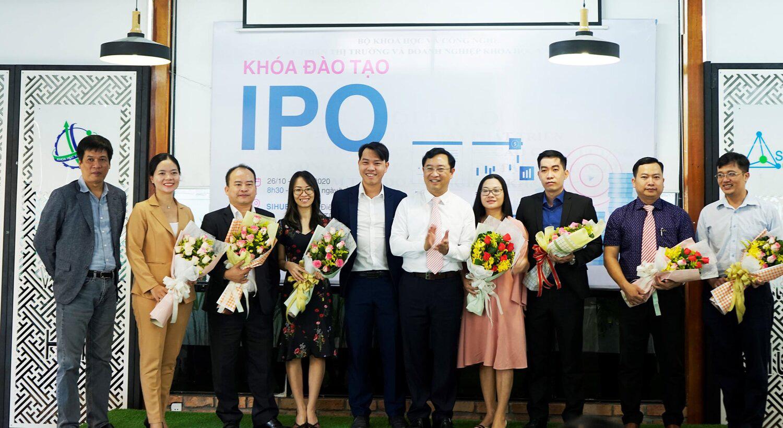 Hơn 80 doanh nghiệp khởi nghiệp, nhà đầu tư tham gia khóa đào tạo IPO đầu tiên - Ảnh 1.