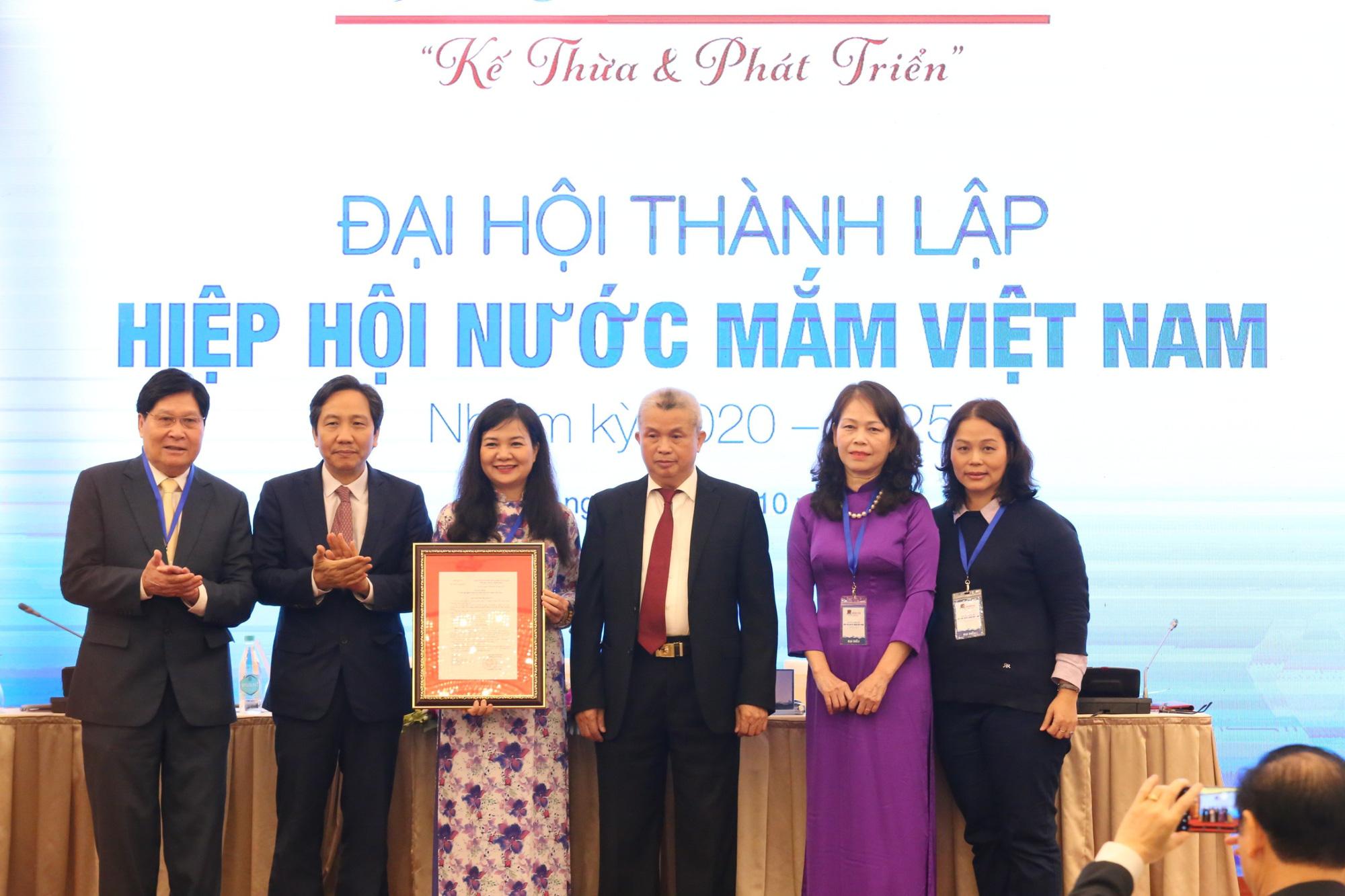 Chính thức thành lập Hiệp hội Nước mắm Việt Nam: Phát triển ngành hàng trị giá 6.000 tỷ đồng - Ảnh 3.