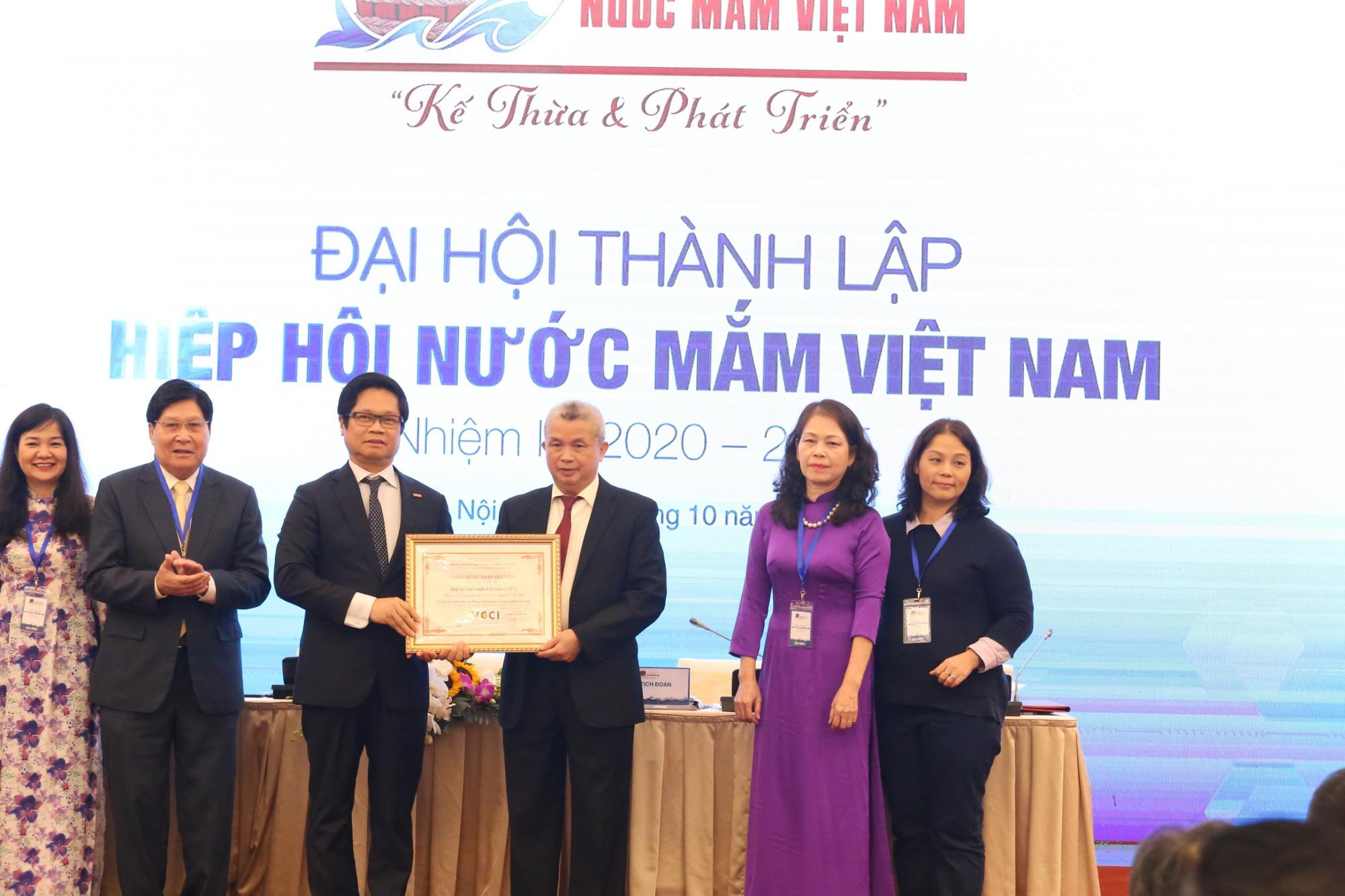 Chính thức thành lập Hiệp hội Nước mắm Việt Nam: Phát triển ngành hàng trị giá 6.000 tỷ đồng - Ảnh 4.