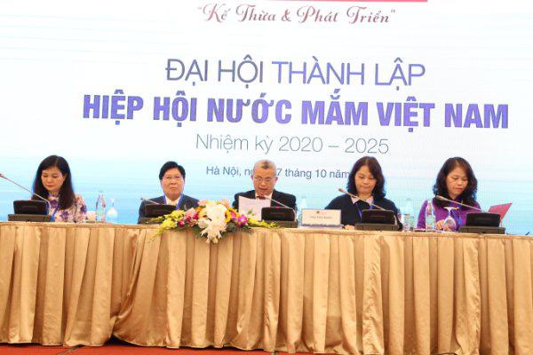 Chính thức thành lập Hiệp hội Nước mắm Việt Nam: Phát triển ngành hàng trị giá 6.000 tỷ đồng - Ảnh 1.