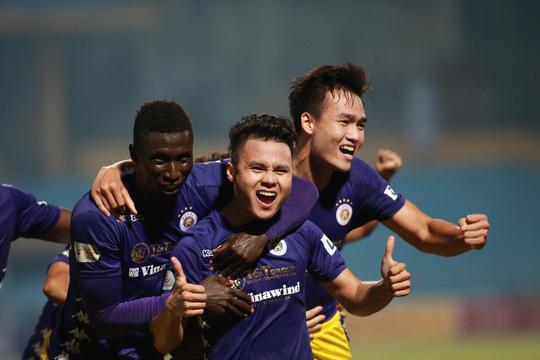"""Quang Hải đã """"lột xác"""" như thế nào ở giai đoạn 2 V.League 2020? - Ảnh 1."""