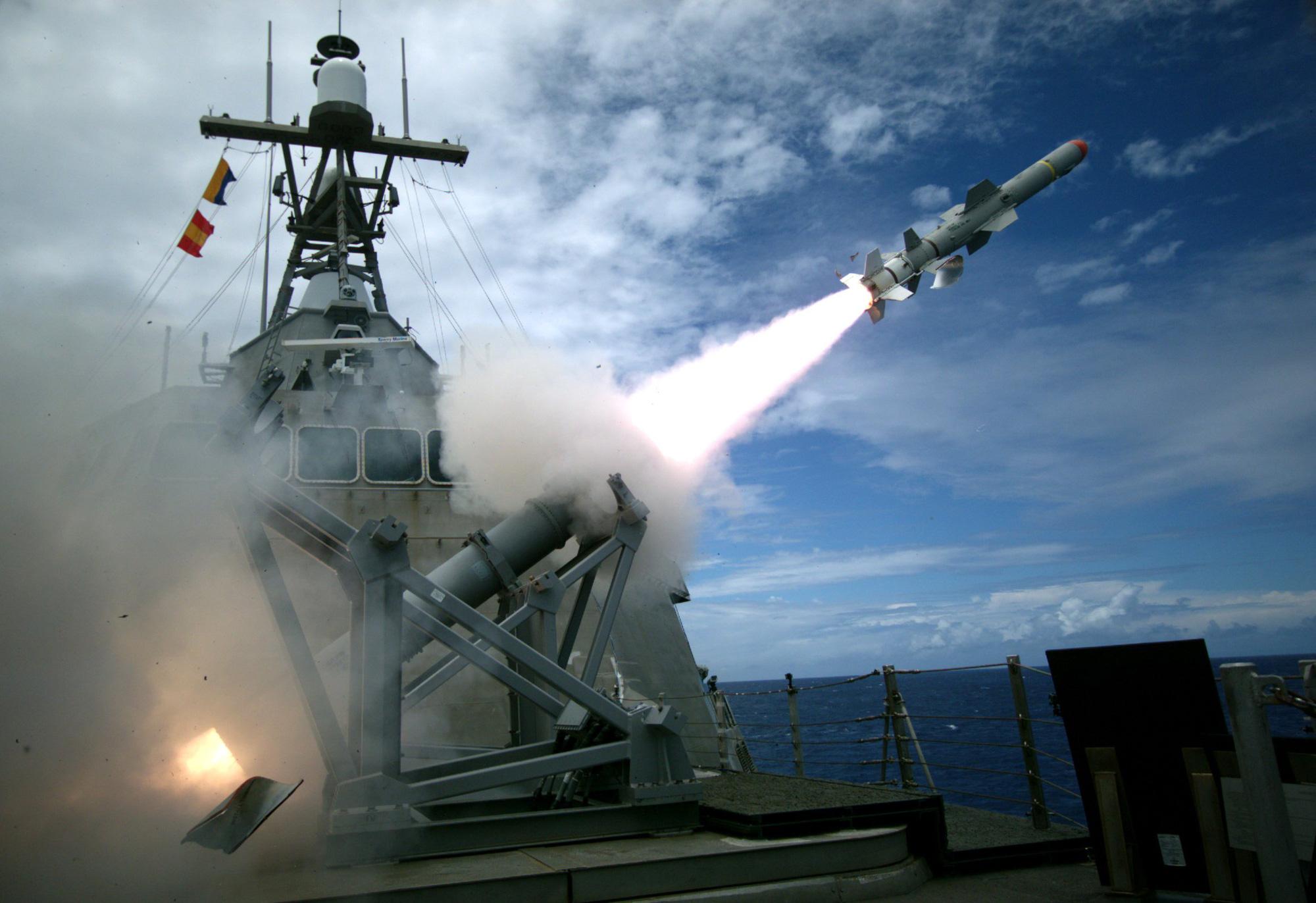 Uy lực của tên lửa Mỹ bán cho Đài Loan đáng sợ thế nào? - Ảnh 3.