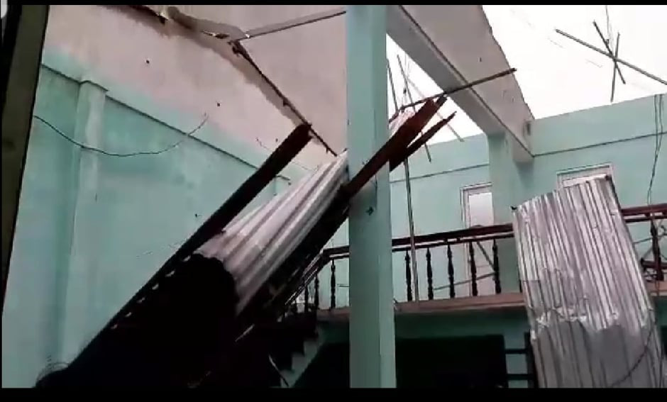 """Bãi """"chiến trường"""" mà bão số 9 tràn qua và để lại ở Quảng Nam, Quảng Ngãi - Ảnh 8."""